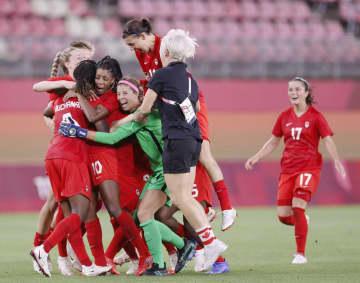 カナダとスウェーデンが決勝へ サッカー女子・2日 画像1