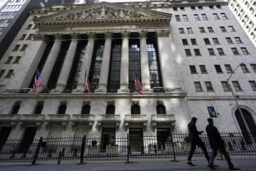 NY株続落、97ドル安 コロナ変異株の感染拡大で 画像1