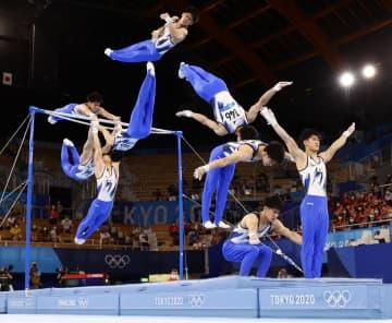 橋本大輝、鉄棒「金」で2冠 体操・3日 画像1