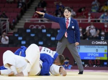 五輪柔道の女性審判、毅然と裁く 天野さん、栄えある畳 画像1