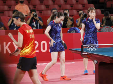 卓球女子団体、中国に屈し「銀」 ロンドン、リオに続き表彰台 画像1