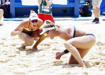 女子は米国ペアが金メダル ビーチバレー・6日 画像1