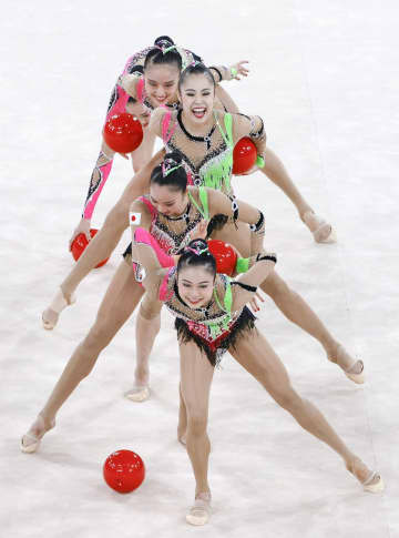 日本、団体総合で決勝へ 新体操・7日 画像1