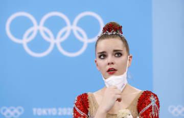 新体操2位、崩れ落ちたジーナ 個人総合、世界選手権は3連覇 画像1