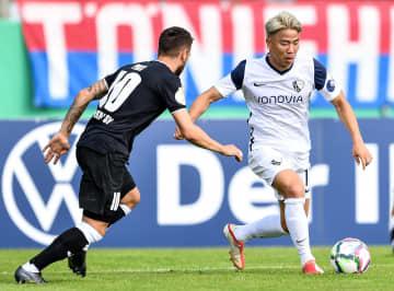 浅野拓磨がボーフムで初出場 ドイツ杯1回戦 画像1
