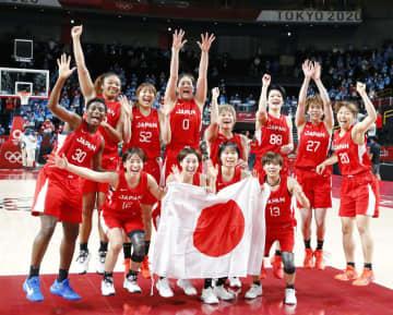 バスケ日本女子が銀メダル 初の表彰台、米国は7連覇 画像1
