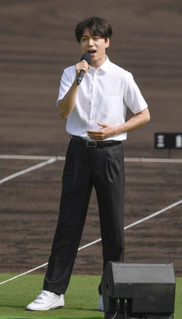 山崎育三郎さんが大会歌独唱 高校野球開会式 画像1