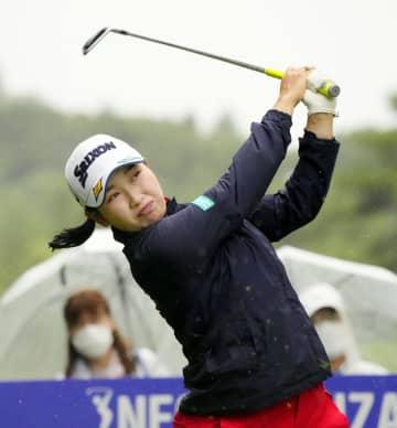 小祝が64で首位、稲見16位 女子ゴルフ第1日 画像1