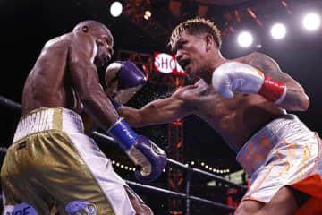 王者カシメロが判定勝ちで防衛 WBOバンタム級 画像1