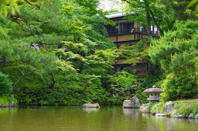 京都・円山公園に人気の路地裏カフェの新店「イクスカフェ祇園八坂」オープン 画像1