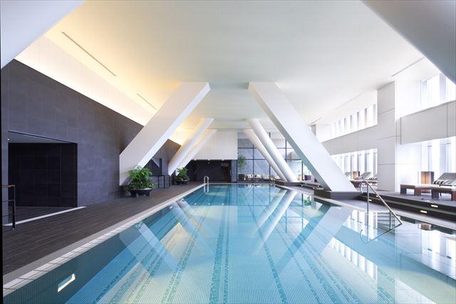 【楽天トラベル】都内で贅沢リゾート気分!東京の屋内プールがある高級ホテル16選 画像2