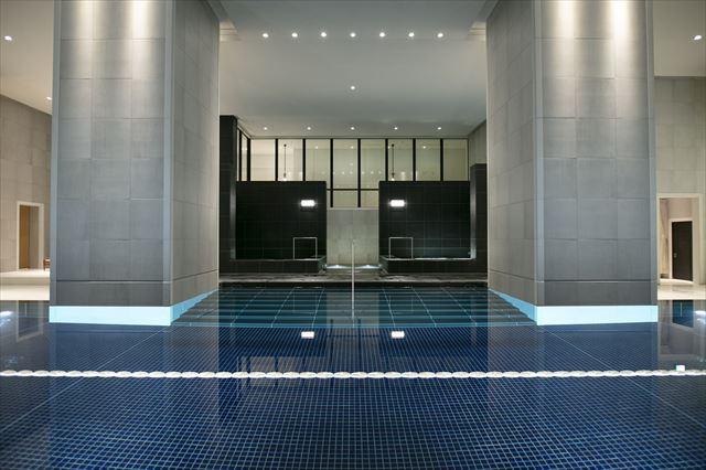 【楽天トラベル】都内で贅沢リゾート気分!東京の屋内プールがある高級ホテル16選 画像4