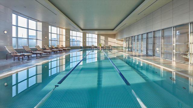 【楽天トラベル】都内で贅沢リゾート気分!東京の屋内プールがある高級ホテル16選 画像6