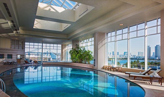 【楽天トラベル】都内で贅沢リゾート気分!東京の屋内プールがある高級ホテル16選 画像7
