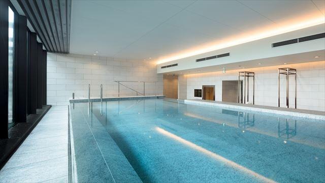 【楽天トラベル】都内で贅沢リゾート気分!東京の屋内プールがある高級ホテル16選 画像11