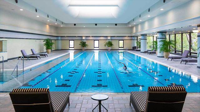 【楽天トラベル】都内で贅沢リゾート気分!東京の屋内プールがある高級ホテル16選 画像13