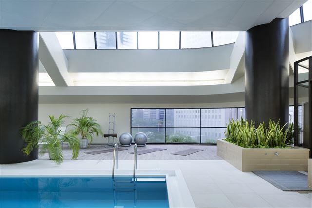 【楽天トラベル】都内で贅沢リゾート気分!東京の屋内プールがある高級ホテル16選 画像14