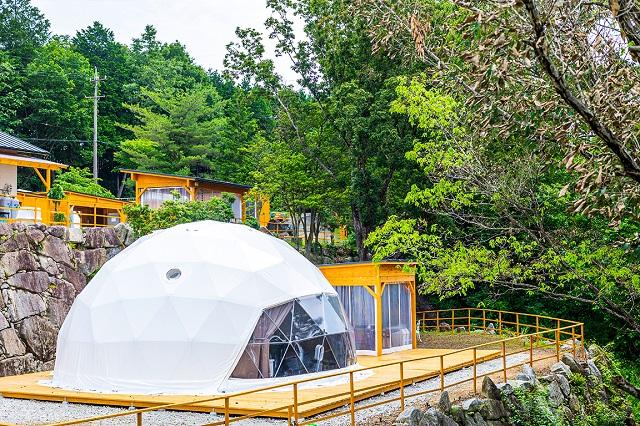 岐阜県初!星が降る湖畔の森に佇むドーム型グランピング施設「星が見の杜」 画像1
