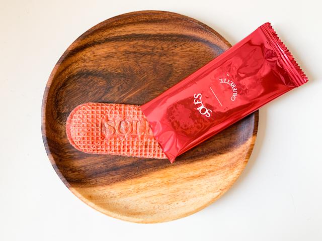 バターゴーフレット専門店「SOLES GAUFRETTE」から期間限定で登場!甘酸っぱいいちごの「バターゴーフレット スイートストロベリー」【実食ルポ】 画像4