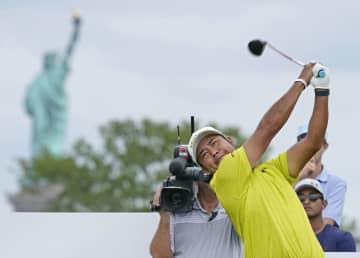 松山、7打差25位に後退 米男子ゴルフ第2日 画像1
