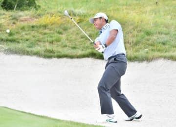 松山英樹、40位に後退 米男子ゴルフ第3日 画像1