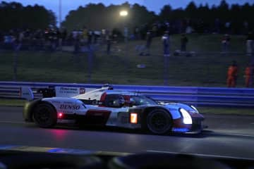 12時間経過し、トヨタ首位 自動車耐久、ルマン24時間 画像1