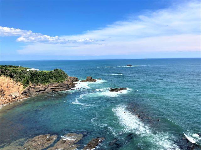 灯台の上からダイナミックな太平洋の絶景を一望!漁港ではとれたての魚介類を堪能「大王埼灯台」【三重県志摩市】 画像14