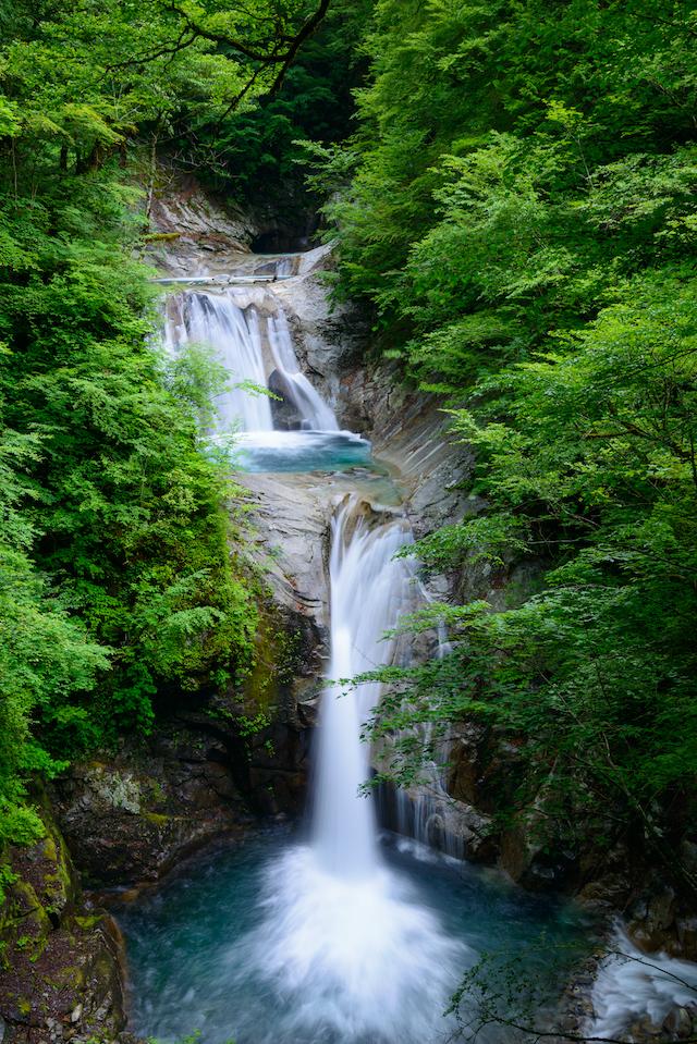 【涼を呼ぶ夏の絶景】甲信越地域の美しい滝5選 画像2