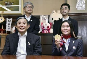 四十住「地元に恩返しできた」 和歌山知事を表敬訪問 画像1