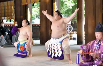 新横綱の照ノ富士が土俵入り 不知火型、明治神宮で 画像1