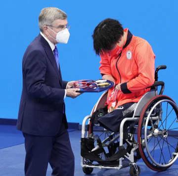 IOCのバッハ会長が観戦 パラリンピック競泳 画像1