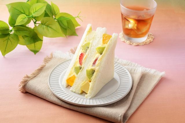カスタードとラムレーズン魅惑の組み合わせ!ローソン「Uchi Café×八天堂」の新スイーツ 画像4