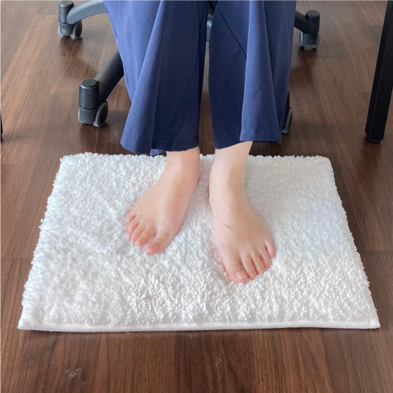 在宅ワークで足元の環境を整え、姿勢の悪さと冷えを予防 夢職人、「MISOKA在宅快勤マット」発売 画像1