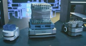 搬送ロボ、100台を効率稼働 オムロンが新ソフトウエア 画像1