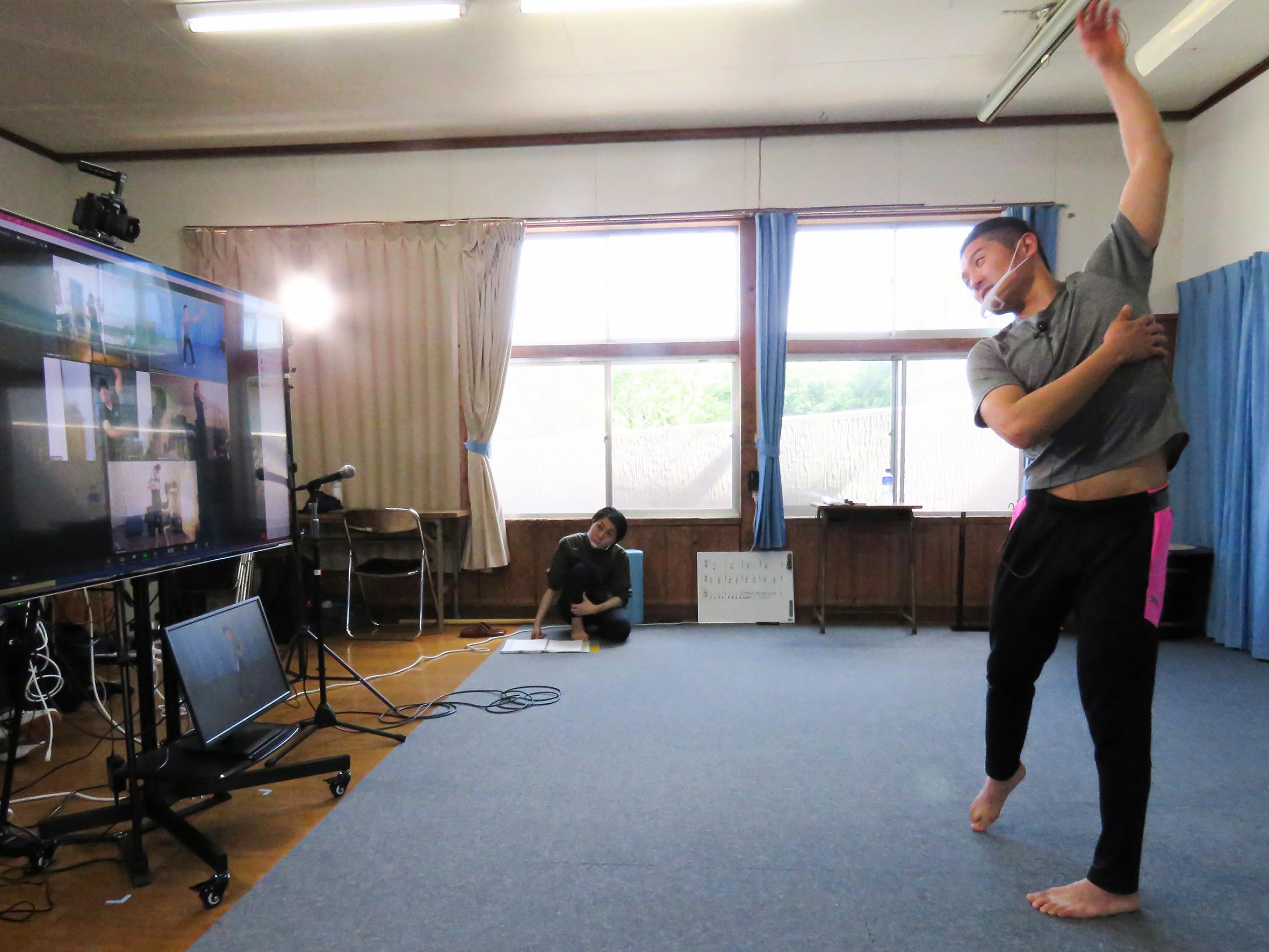 鼓童 太鼓の学校-身体作り
