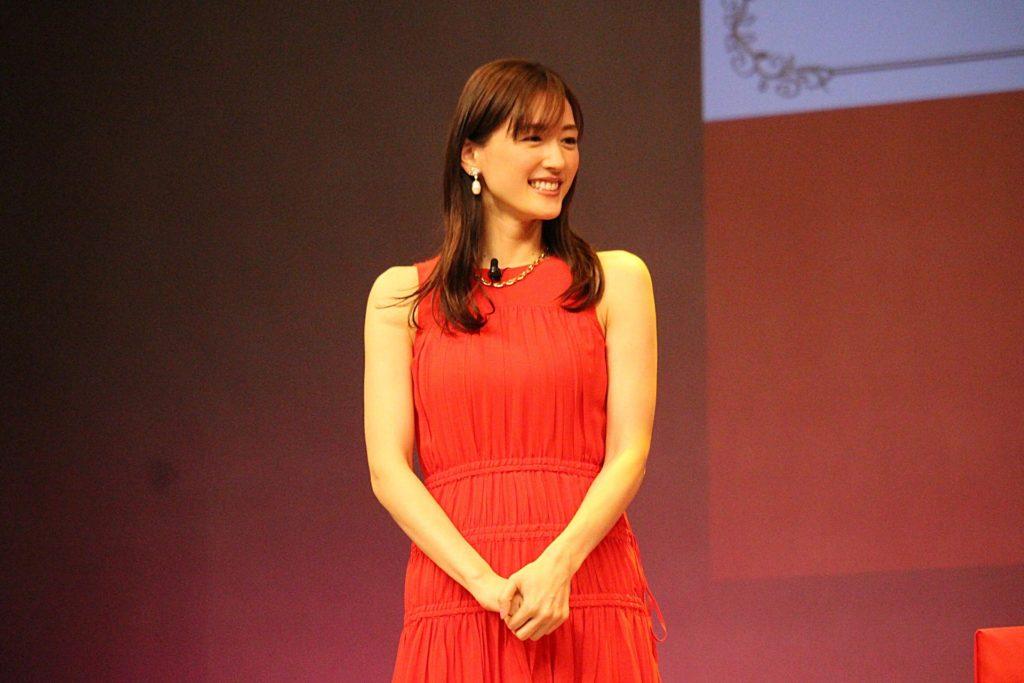 綾瀬はるか、コロナ感染で入院 26日に陽性確認、肺炎の症状 画像1