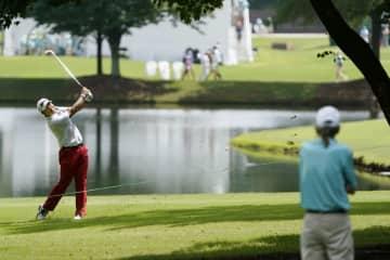 松山英樹、最下位30位に後退 米男子ゴルフ最終戦第1日 画像1