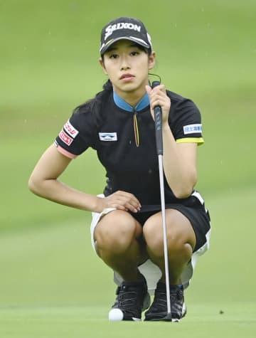吉本が暫定首位、通算-10 女子ゴルフ第2日 画像1