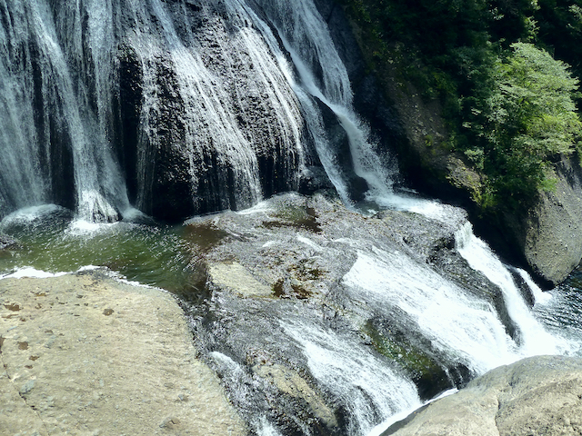 【涼を呼ぶ夏の絶景】北関東地域の美しい滝5選 画像2