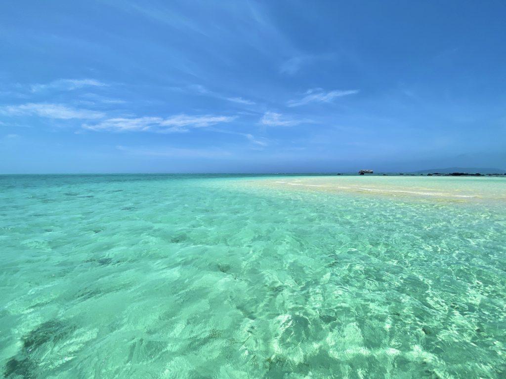 【リゾナーレ小浜島 宿泊ルポ|後編】幻の島、海上ラウンジ、日本最大珊瑚礁でのシュノーケルまで、最高のアクティビティを体験! 画像1