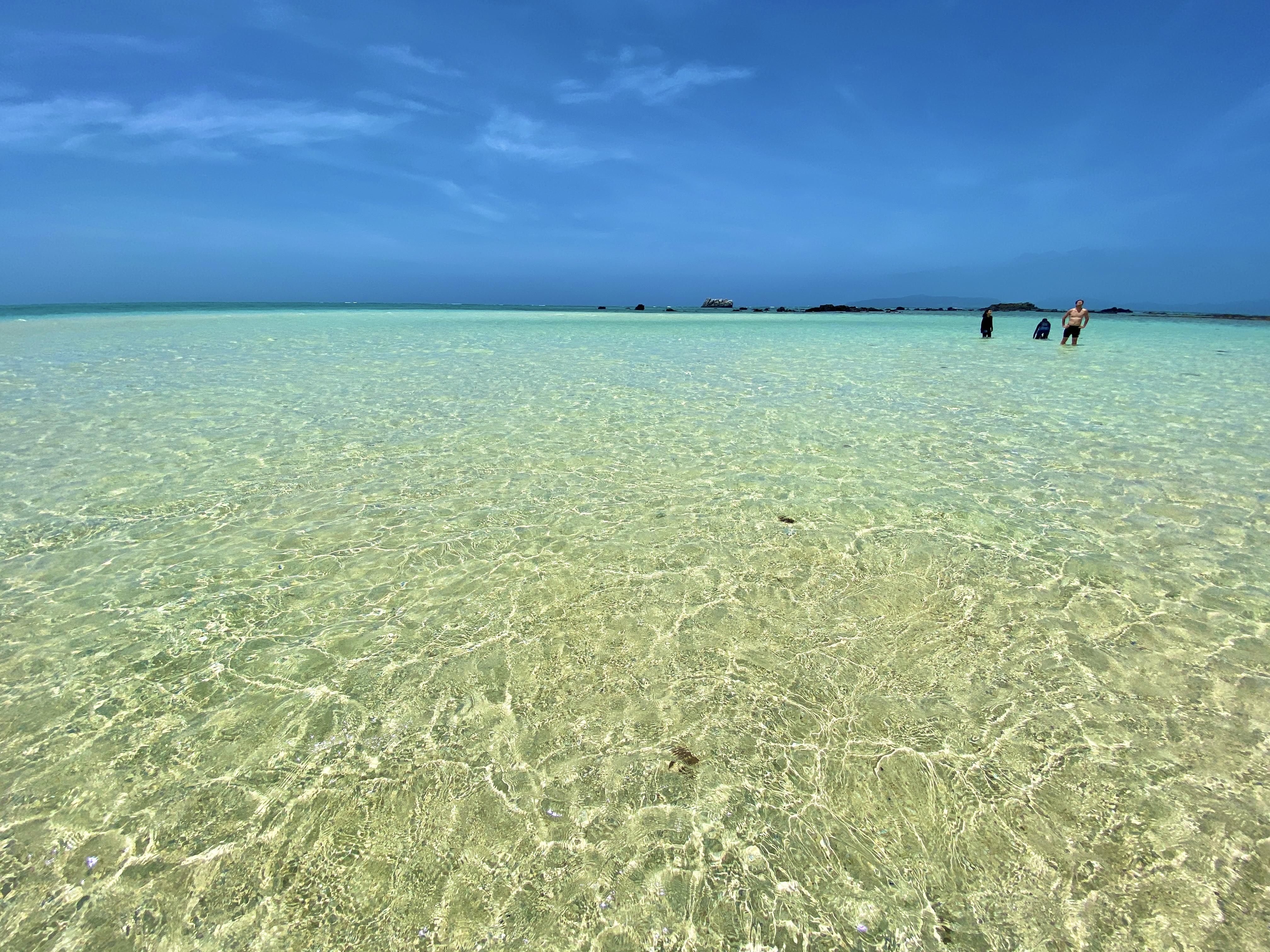 【リゾナーレ小浜島 宿泊ルポ|後編】幻の島、海上ラウンジ、日本最大珊瑚礁でのシュノーケルまで、最高のアクティビティを体験! 画像15
