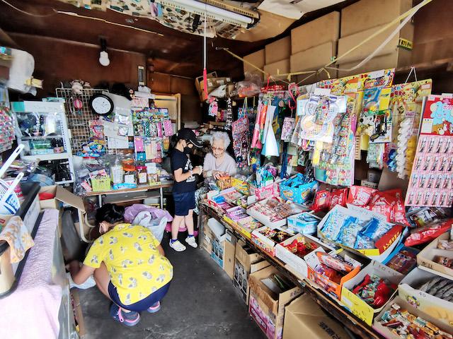【宮永篤史の駄菓子屋探訪11】北海道函館市「いっせ(いっせん)」閉店をやめて営業を続ける小さな店 画像5