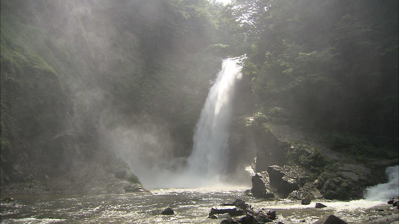 【涼を呼ぶ夏の絶景】東北地域の美しい滝5選 画像4