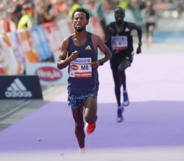 マラソン「厚底」規定違反で失格 1着でゴールのエチオピア選手 画像1