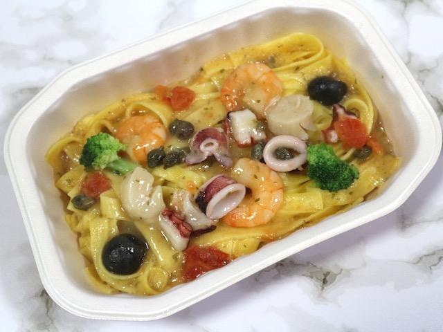 家で手軽に楽しむ本格イタリアン!レンジで温めるだけでレストランの味を再現する「ディナーパスタ」実食ルポ【ロイヤルデリ】 画像4