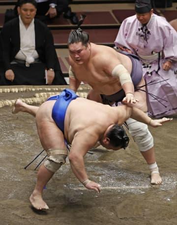 照ノ富士4連勝、貴景勝は初白星 横綱、大関陣初めて安泰 画像1