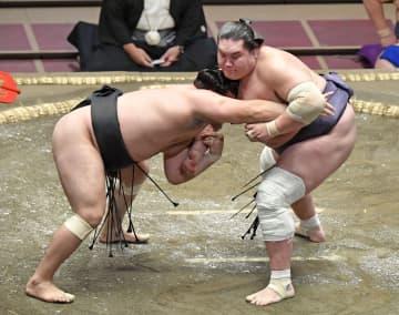 照ノ富士が5連勝、正代は4勝目 横綱、大関陣は安泰 画像1