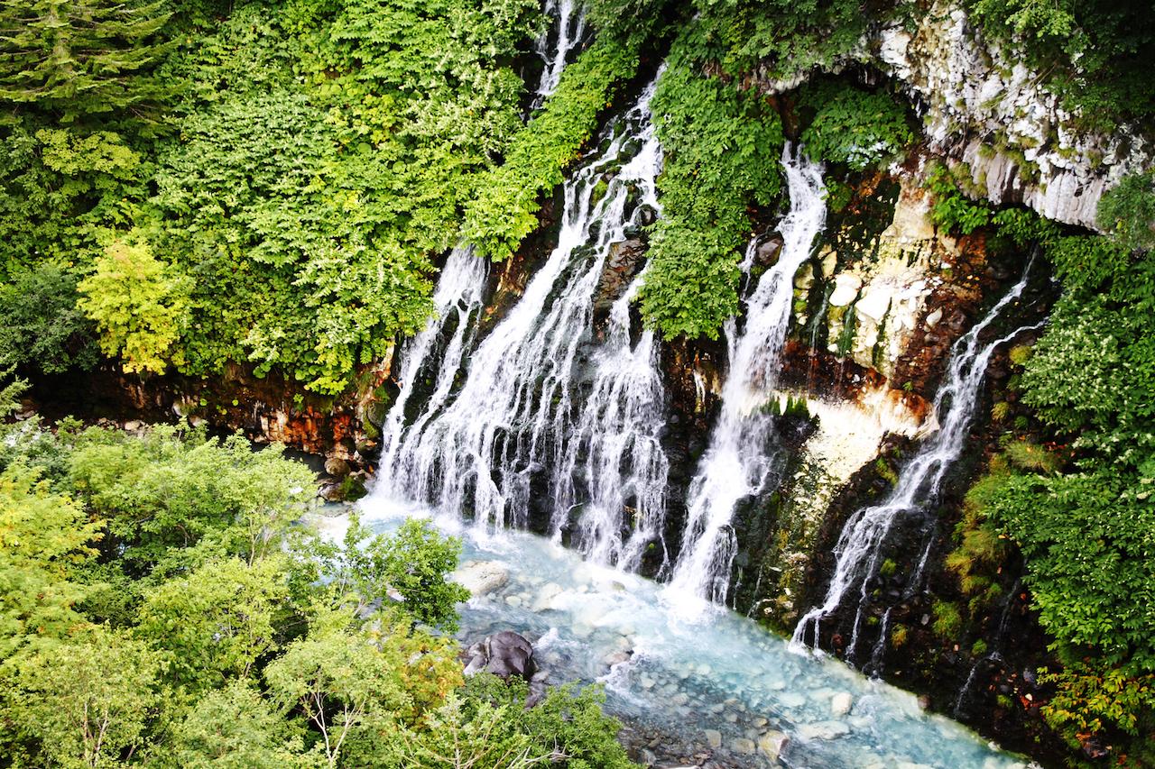 【涼を呼ぶ夏の絶景】北海道の美しい滝5選 画像3
