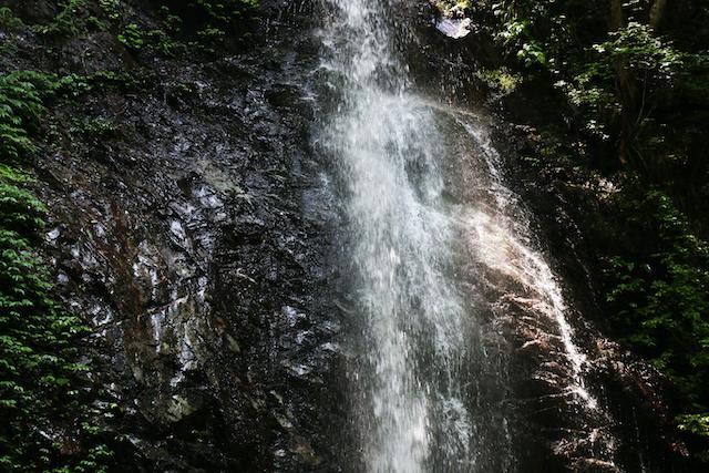 【涼を呼ぶ夏の絶景】日本全国の美しい滝55選 画像5