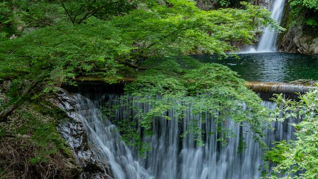 【涼を呼ぶ夏の絶景】日本全国の美しい滝55選 画像9